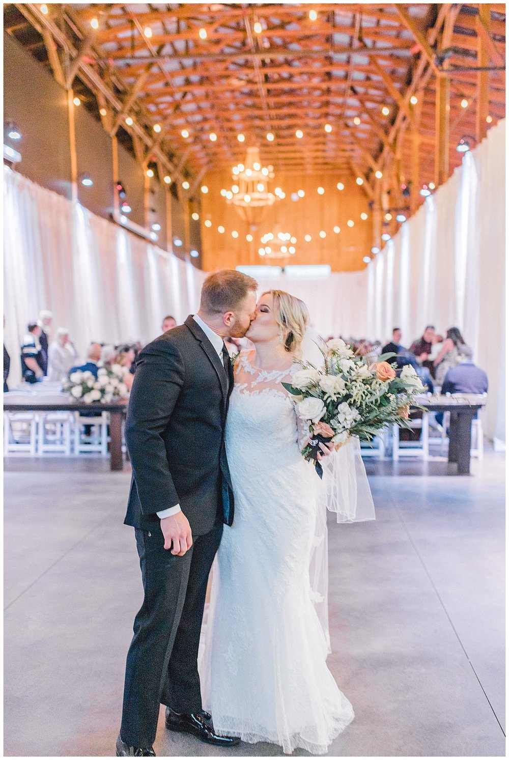 ERC-8438_A beautiful winter wedding in Snohomish, Washington at Thomas Family Farm was simply perfect.  This rustic and modern styled wedding was dripping with romance and photographed by Emma Rose Company, a pacific northwest wedding photographer..jpg