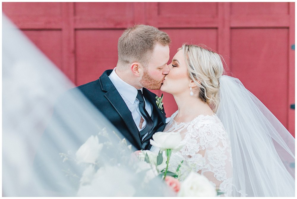 ERC-8511_A beautiful winter wedding in Snohomish, Washington at Thomas Family Farm was simply perfect.  This rustic and modern styled wedding was dripping with romance and photographed by Emma Rose Company, a pacific northwest wedding photographer..jpg