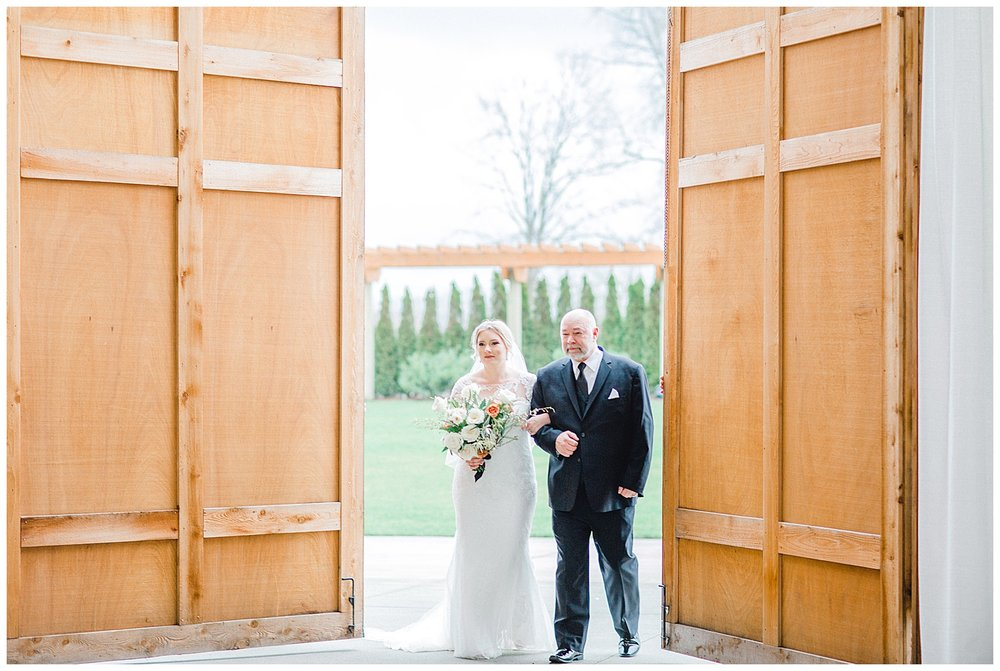 ERC-9060_A beautiful winter wedding in Snohomish, Washington at Thomas Family Farm was simply perfect.  This rustic and modern styled wedding was dripping with romance and photographed by Emma Rose Company, a pacific northwest wedding photographer..jpg