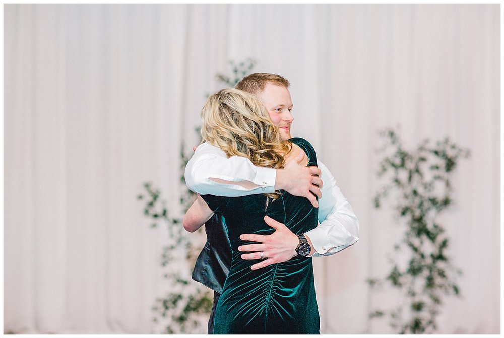 ERC-9332_A beautiful winter wedding in Snohomish, Washington at Thomas Family Farm was simply perfect.  This rustic and modern styled wedding was dripping with romance and photographed by Emma Rose Company, a pacific northwest wedding photographer..jpg