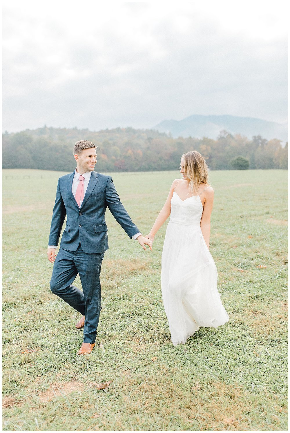 Emma Rose Company recently got to travel all the way to Nashville to photograph the most beautiful post-wedding bride and groom portraits in the Great Smoky Mountains with a gorgeous couple! Nashville wedding inspiration at it's finest._0029.jpg