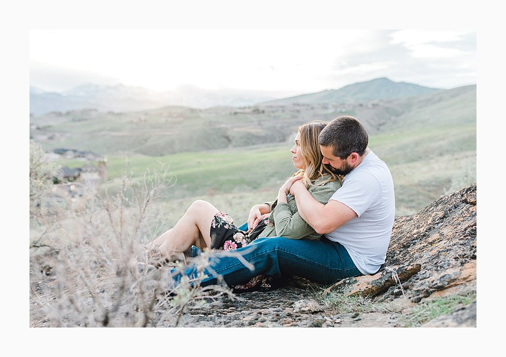 Pacific Northwest Engagement Session in the Sagebrush with Emma Rose Company who is a light and airy wedding photographer based in Seattle, Washington_0027.jpg