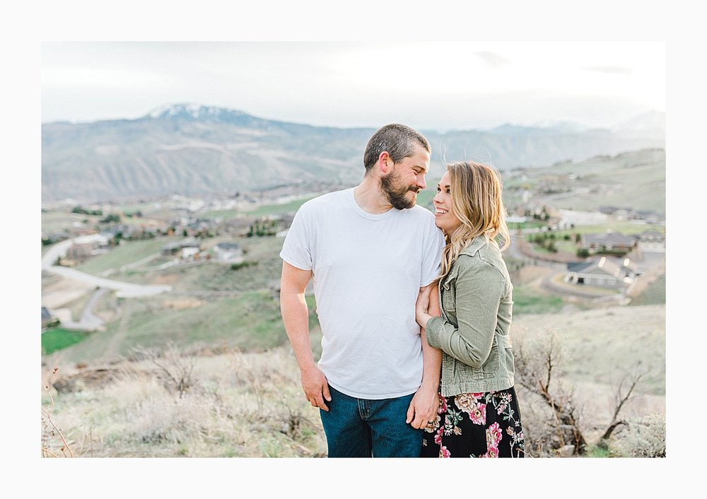 Pacific Northwest Engagement Session in the Sagebrush with Emma Rose Company who is a light and airy wedding photographer based in Seattle, Washington_0032.jpg