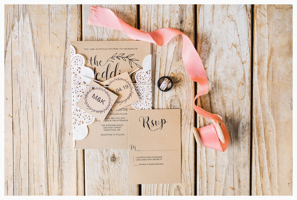 Rustic barn wedding in Wenatchee Washington at Sunshine Ranch on Easy Street, Emma Rose Company Seattle PNW Light and Airy Wedding Photographer_0039.jpg