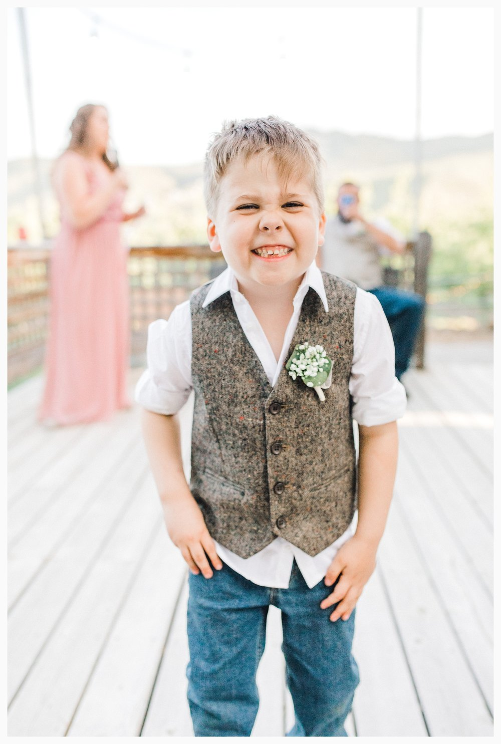Rustic barn wedding in Wenatchee Washington at Sunshine Ranch on Easy Street, Emma Rose Company Seattle PNW Light and Airy Wedding Photographer_0095.jpg
