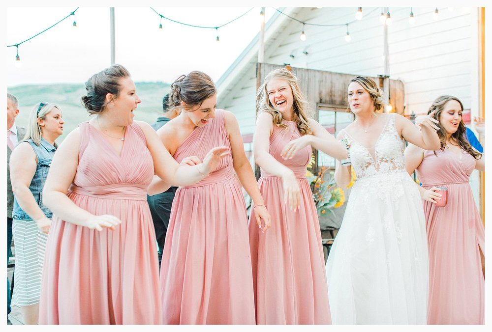 Rustic barn wedding in Wenatchee Washington at Sunshine Ranch on Easy Street, Emma Rose Company Seattle PNW Light and Airy Wedding Photographer_0107.jpg
