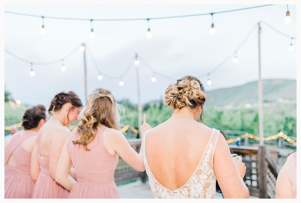 Rustic barn wedding in Wenatchee Washington at Sunshine Ranch on Easy Street, Emma Rose Company Seattle PNW Light and Airy Wedding Photographer_0112.jpg