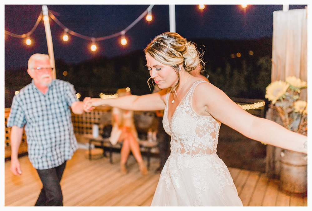 Rustic barn wedding in Wenatchee Washington at Sunshine Ranch on Easy Street, Emma Rose Company Seattle PNW Light and Airy Wedding Photographer_0121.jpg