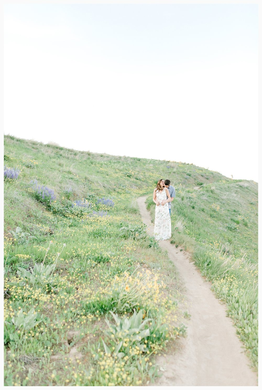 Engagement session amongst the wildflowers in Wenatchee, Washington | Engagement Session Outfit Inspiration for Wedding Photography with Emma Rose Company | Light and Airy PNW Photographer, Seattle Bride_0006.jpg