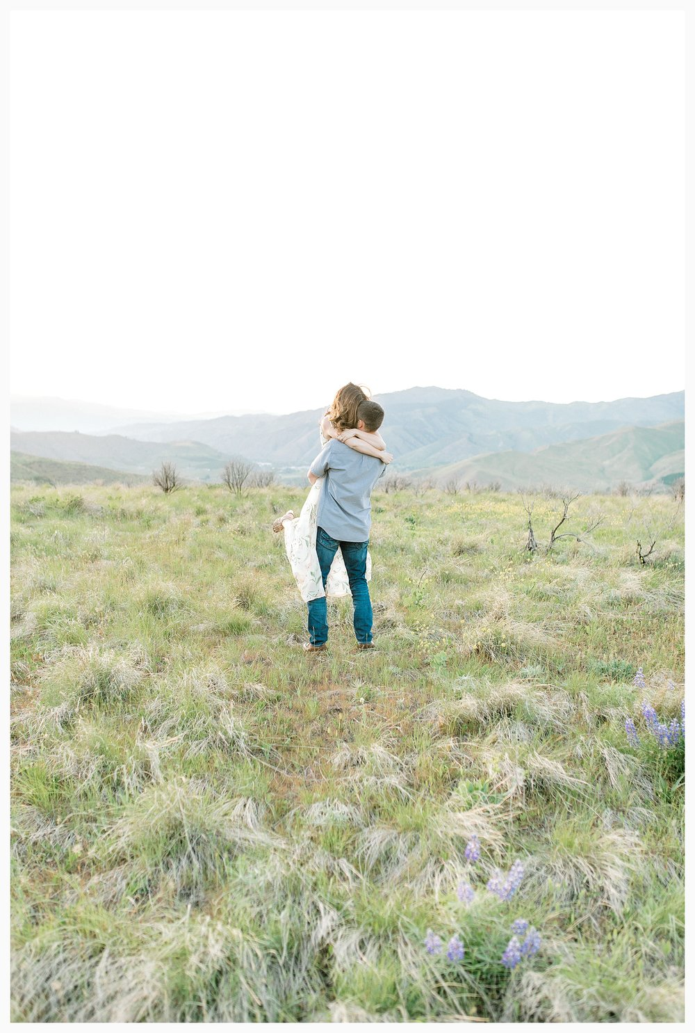 Engagement session amongst the wildflowers in Wenatchee, Washington | Engagement Session Outfit Inspiration for Wedding Photography with Emma Rose Company | Light and Airy PNW Photographer, Seattle Bride_0024.jpg