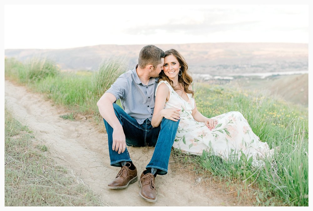Engagement session amongst the wildflowers in Wenatchee, Washington | Engagement Session Outfit Inspiration for Wedding Photography with Emma Rose Company | Light and Airy PNW Photographer, Seattle Bride_0026.jpg