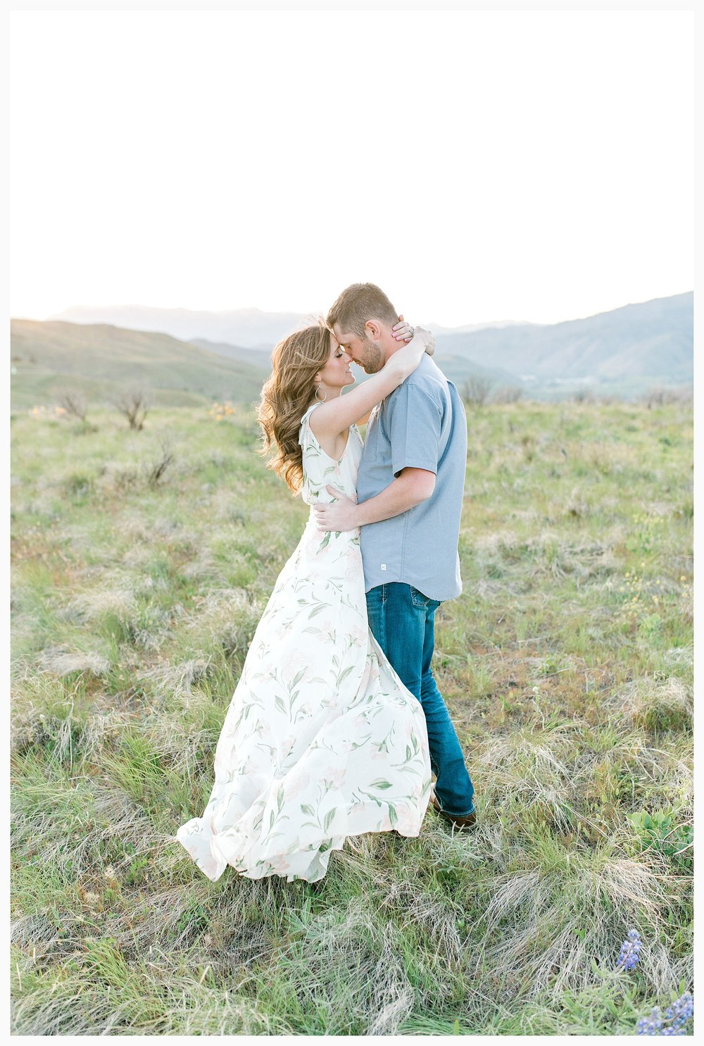 Engagement session amongst the wildflowers in Wenatchee, Washington | Engagement Session Outfit Inspiration for Wedding Photography with Emma Rose Company | Light and Airy PNW Photographer, Seattle Bride_0025.jpg