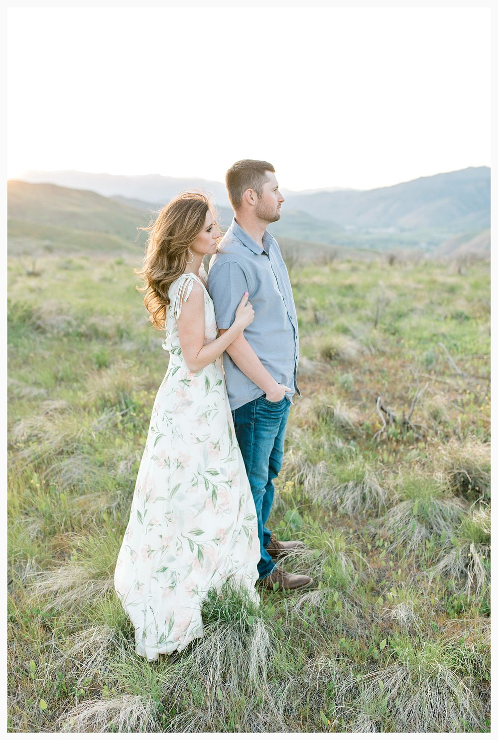 Engagement session amongst the wildflowers in Wenatchee, Washington | Engagement Session Outfit Inspiration for Wedding Photography with Emma Rose Company | Light and Airy PNW Photographer, Seattle Bride_0033.jpg