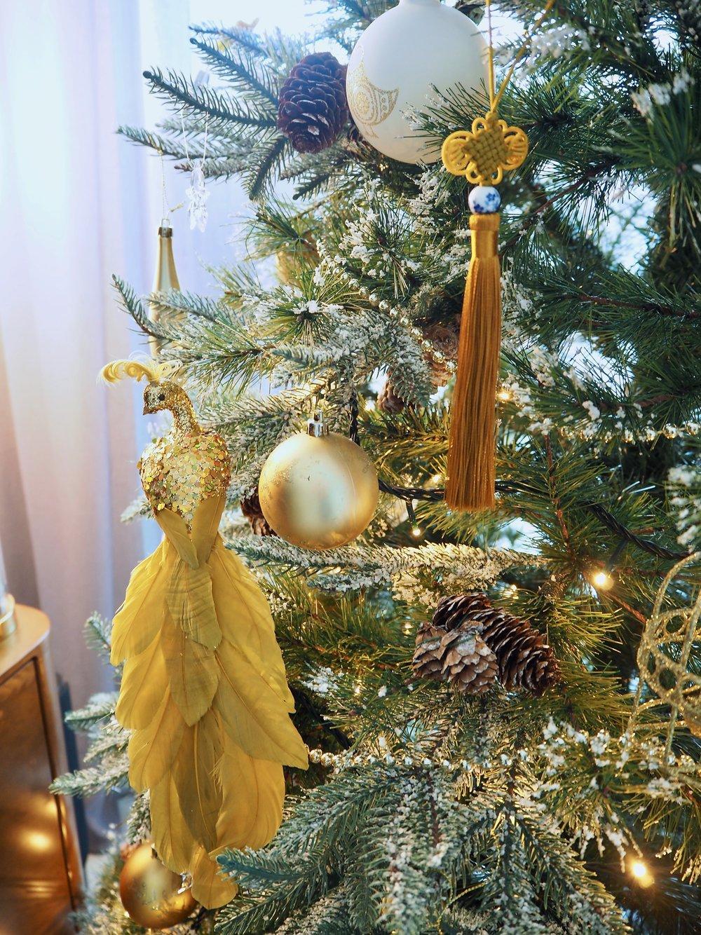 My Alternative Christmas Baubes - modeandmotif.com