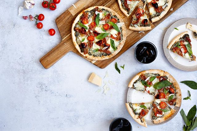 Spinach Ricotta Pizzas with Roasted Tomatoes and Crispy Prosciutto. #getyourgreens #pizza 😍 . . . I'm excited to start sharing some work I've been doing for Epicure.co.uk. I'll be featuring a few of my faves throughout the year. You can head to their website to see the whole lineup, with new recipes being added regularly. 👊