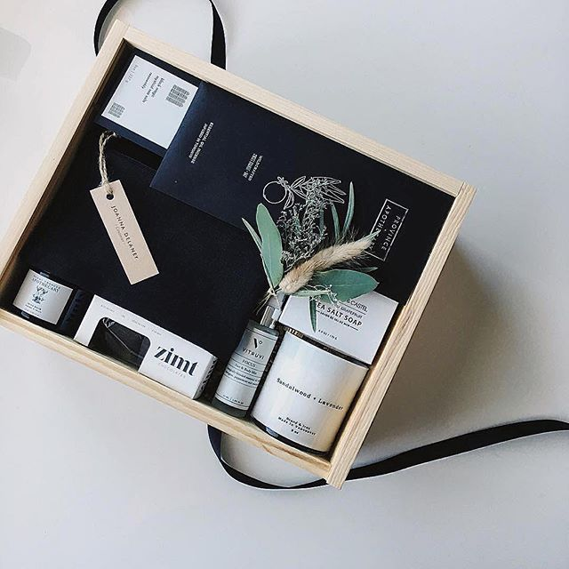 D E T A I L S 🌾 by @oldjoygiftboxes 🖤 . . . . #gift #give #love #details #beautiful #joy #giftsforher #candles #scent #soap #bath #eyepillow #textiles #incense #aromatherapy #pure #simple #design #makersmovement #chocolate #giftboxes #vancouver #bc #westcoast #itsthelittlethings #weekend #inspiration #share #sharethelove 📷 by #oldjoygiftboxes