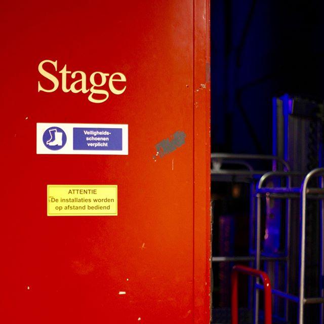 This way 👉🎭 #stagedoormanor #alltheworldsastage  #theatrelife