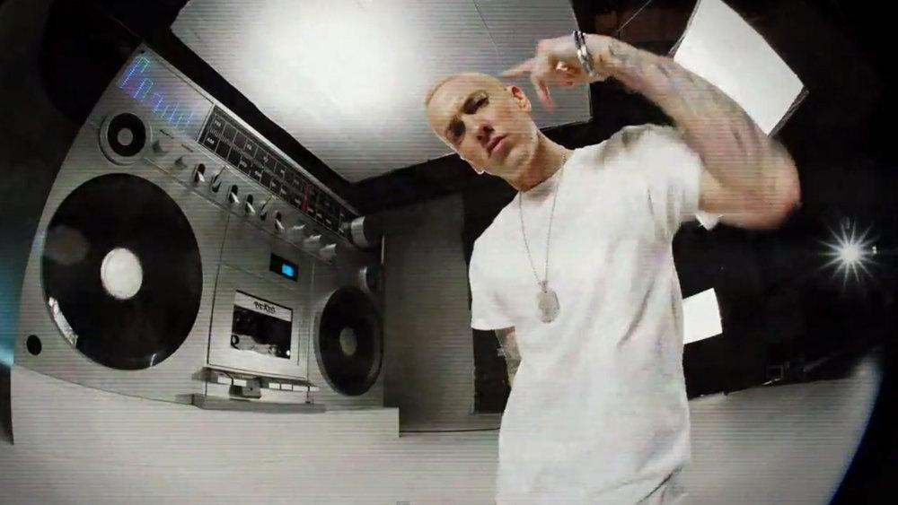 SetsMachine_Eminem_BerzerkVideo_4.jpg
