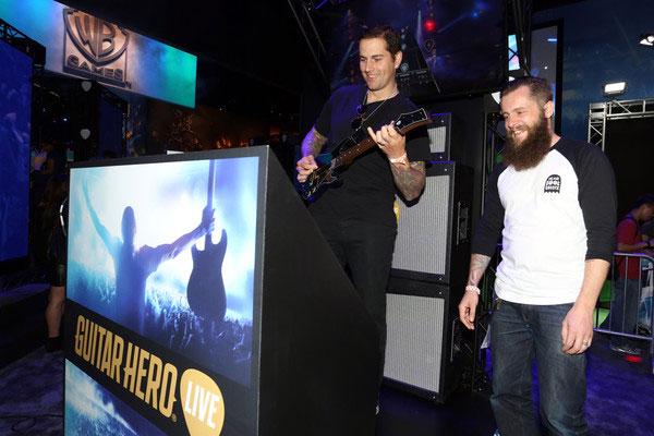 SetsMachine_Activision_GuitarHero_2.jpg