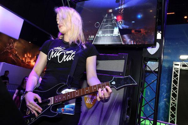 SetsMachine_Activision_GuitarHero_1.jpg