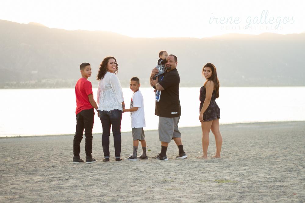 Lobato Family-31.jpg
