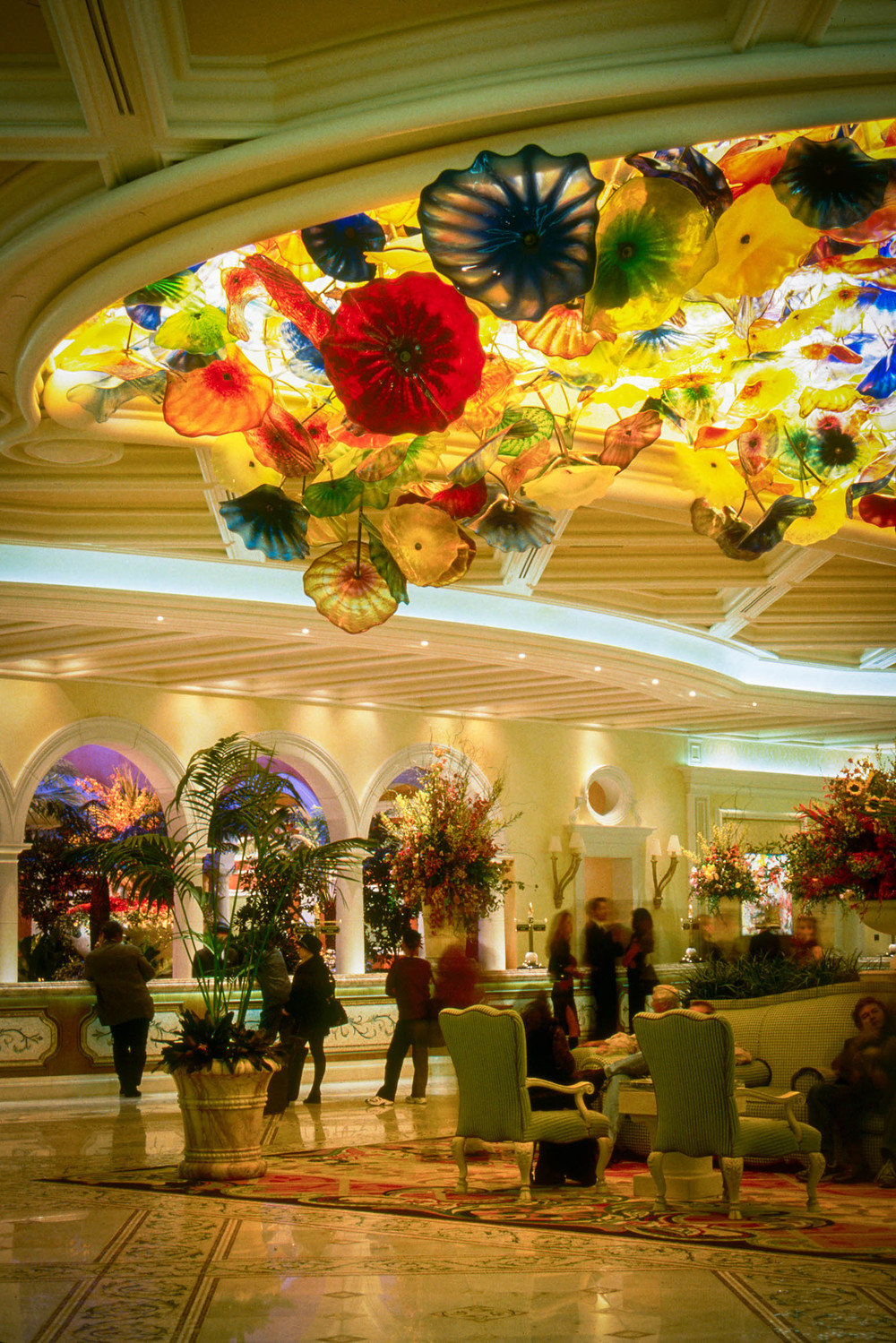 Wynn wanted glass to spill out from the ceiling and be backlit as if there was a skylight above...