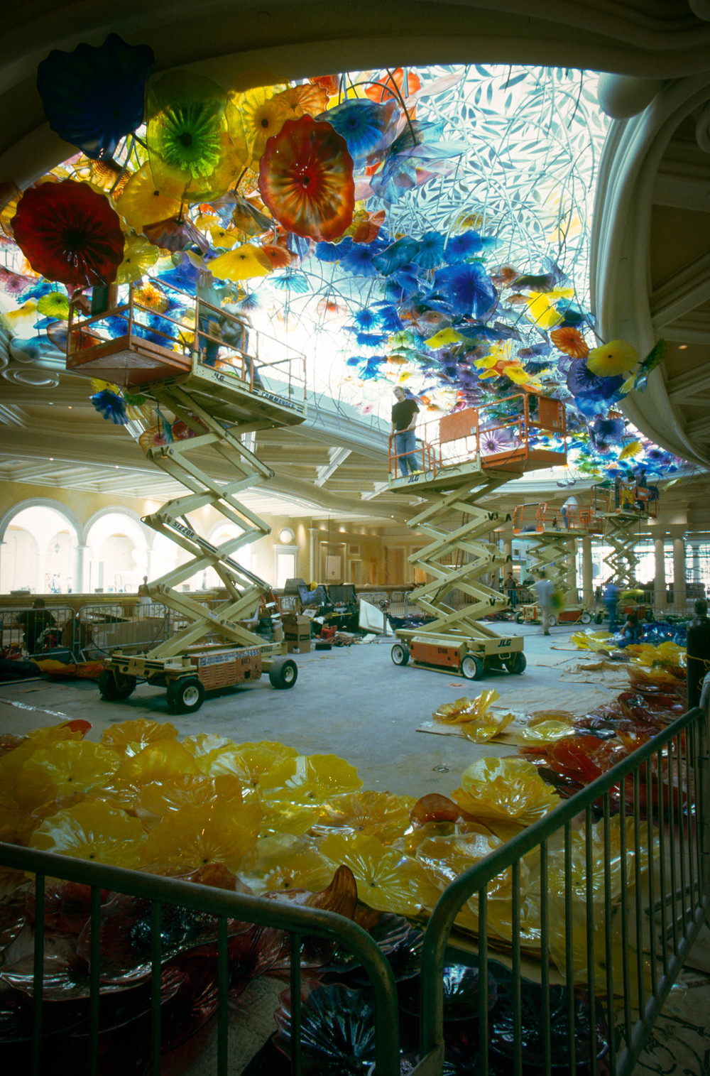 We worked with Chihuly and Wynn to create a 6' deep light box to simulate a skylight and backlight the suspended blown glass.