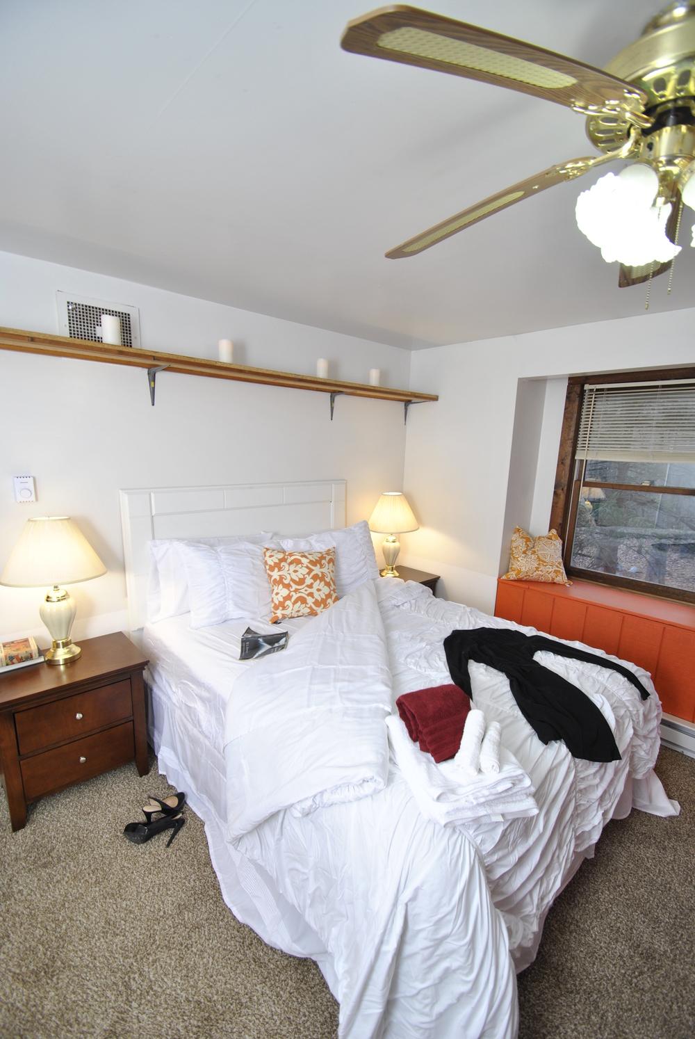 Bed (7).JPG