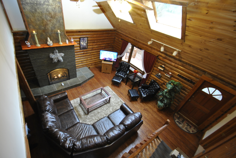 Lodge Living Room (2).JPG