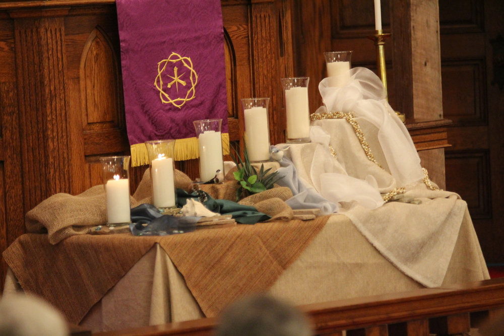 The altar guild is divided into several groups that happen particular areas such as acolytes, flowers, communion, funerals, special services, and weddings.