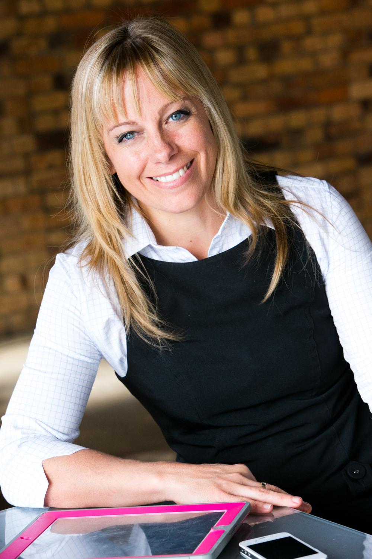Victoria Clifton  (Admin)