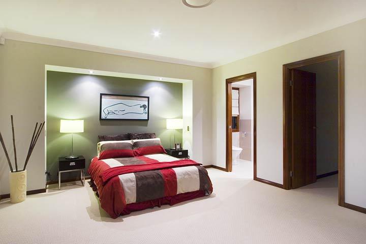 14-Bedroom.jpg