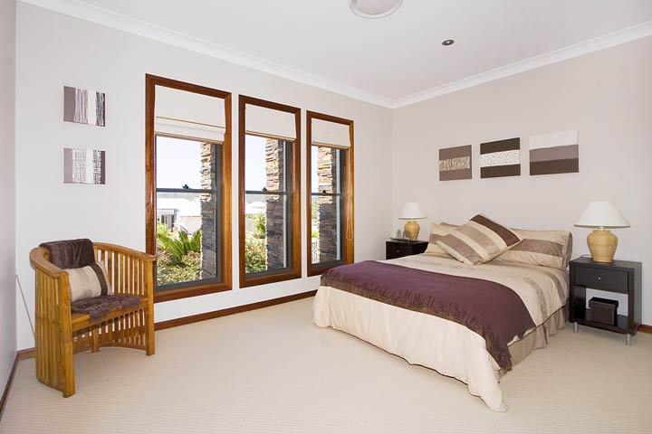 17-Bedroom.jpg