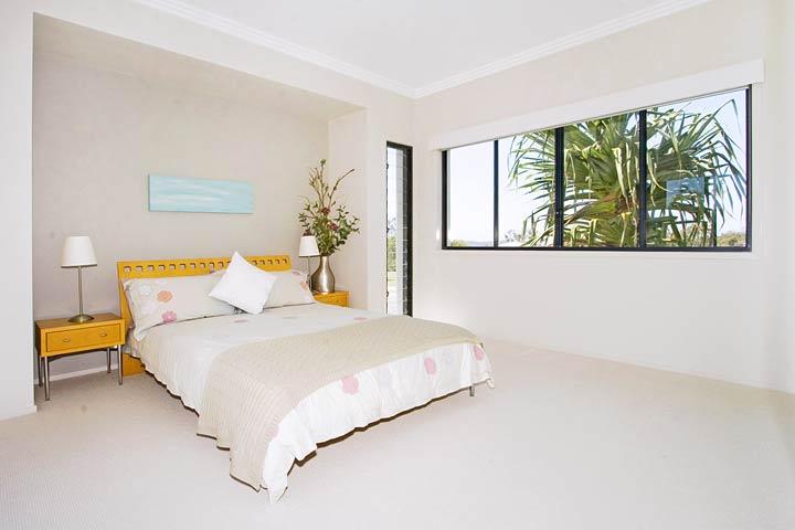 16-Bedroom.jpg