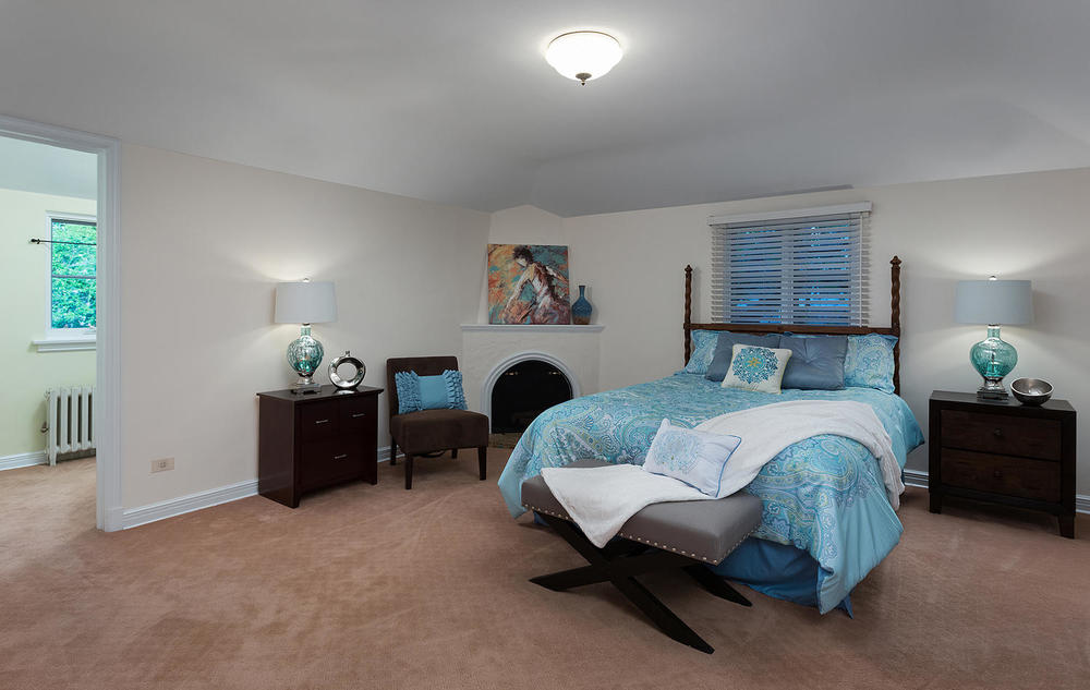 530 Bellaire St Denver CO-large-014-14-Master Bedroom-1500x950-72dpi.jpg