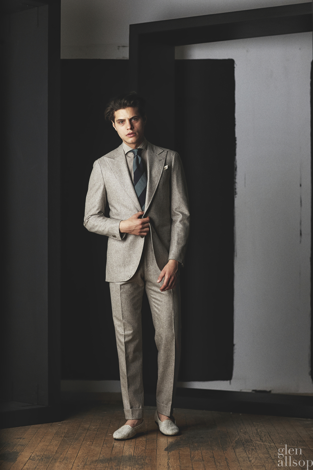 lookbook 5-eidos-nyfwm-menswear-suit-antonino russo-model