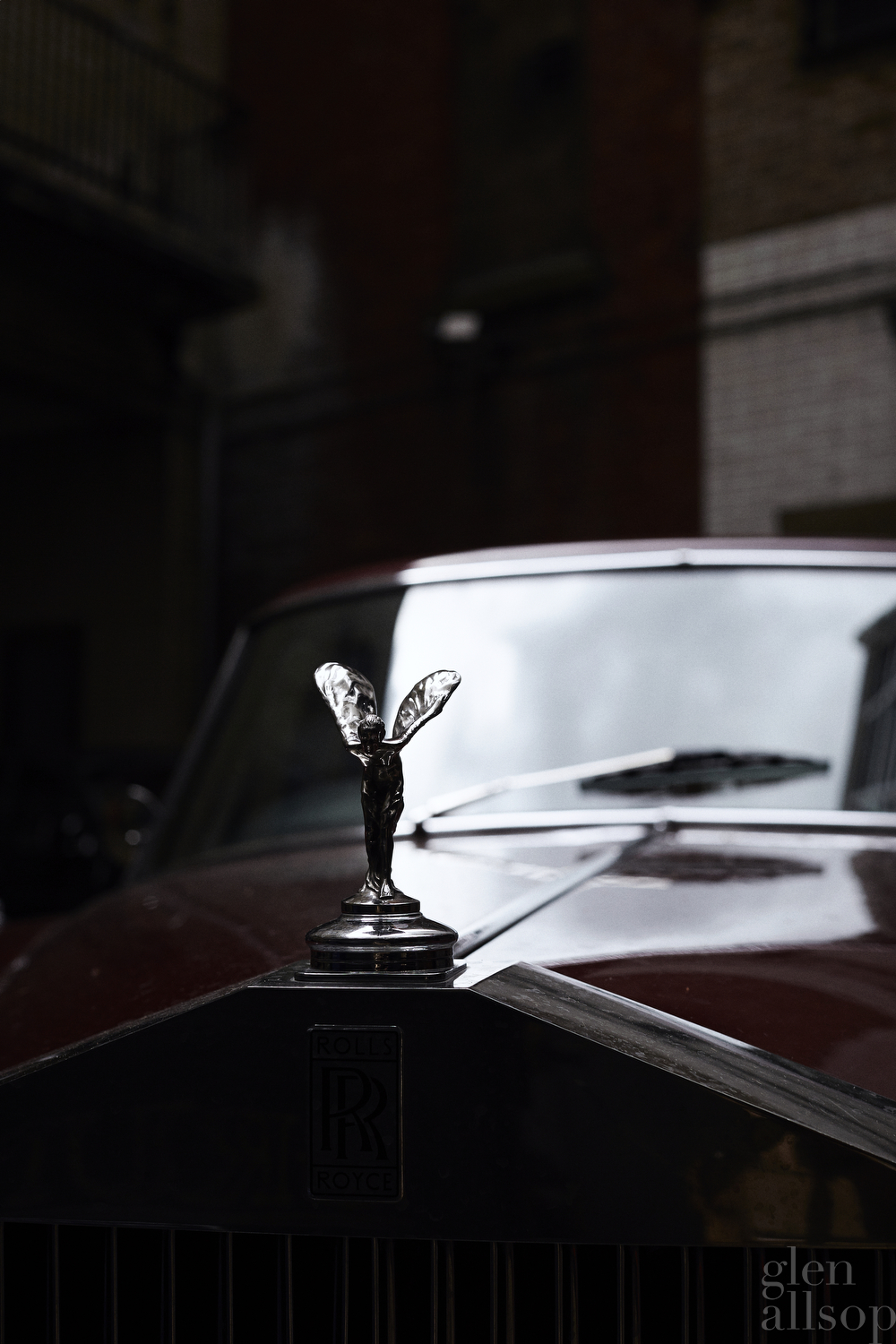 rolls royce-london-burgundy