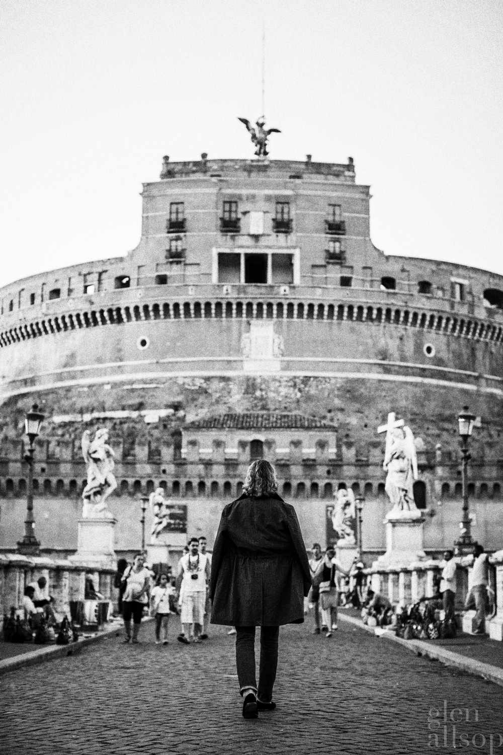 dracula-rome-black and white-eidos