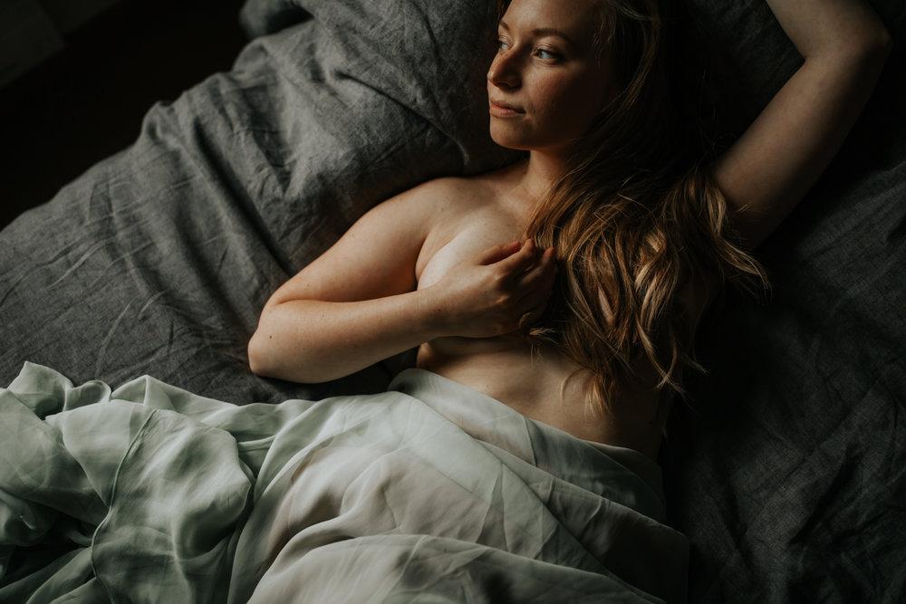 amy boudoir post-21.jpg