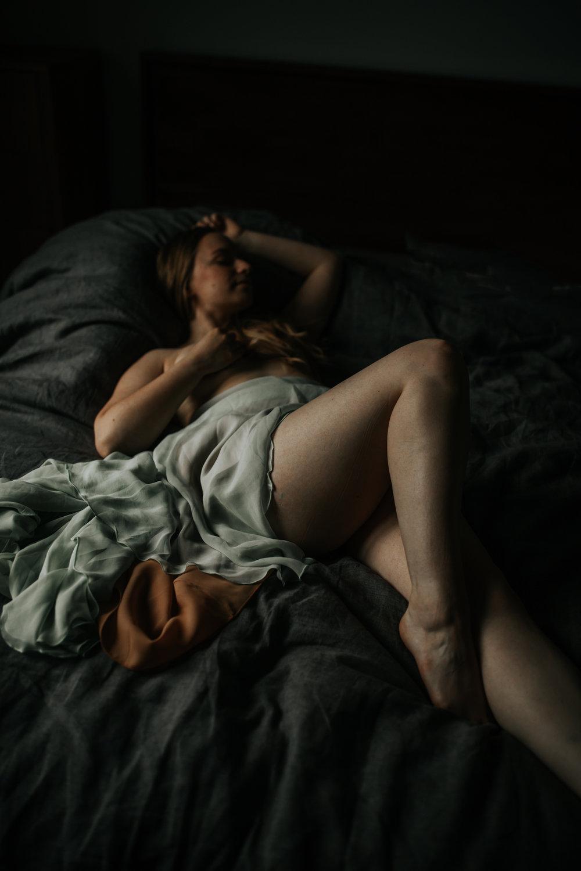 amy boudoir post-23.jpg