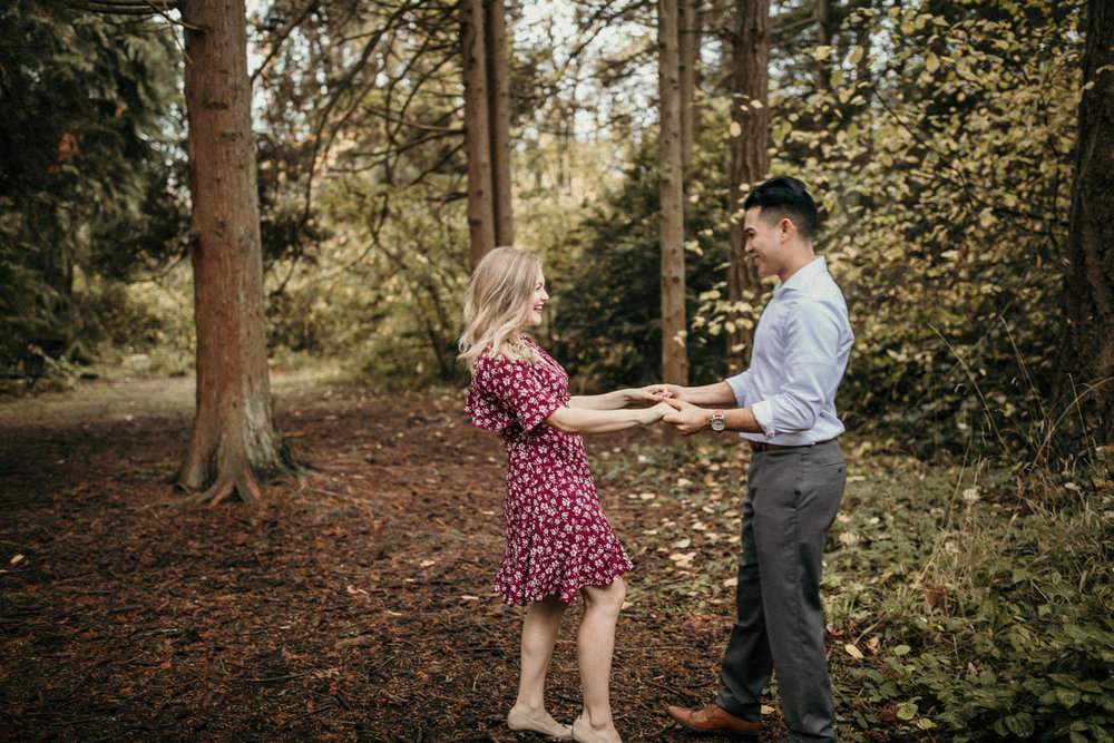 Emily Keeney Photography west seattle lincoln park engagment.jpg