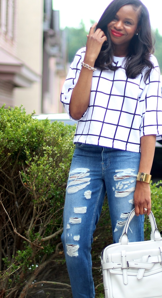 GRID TOP AND RIPPED JEANS