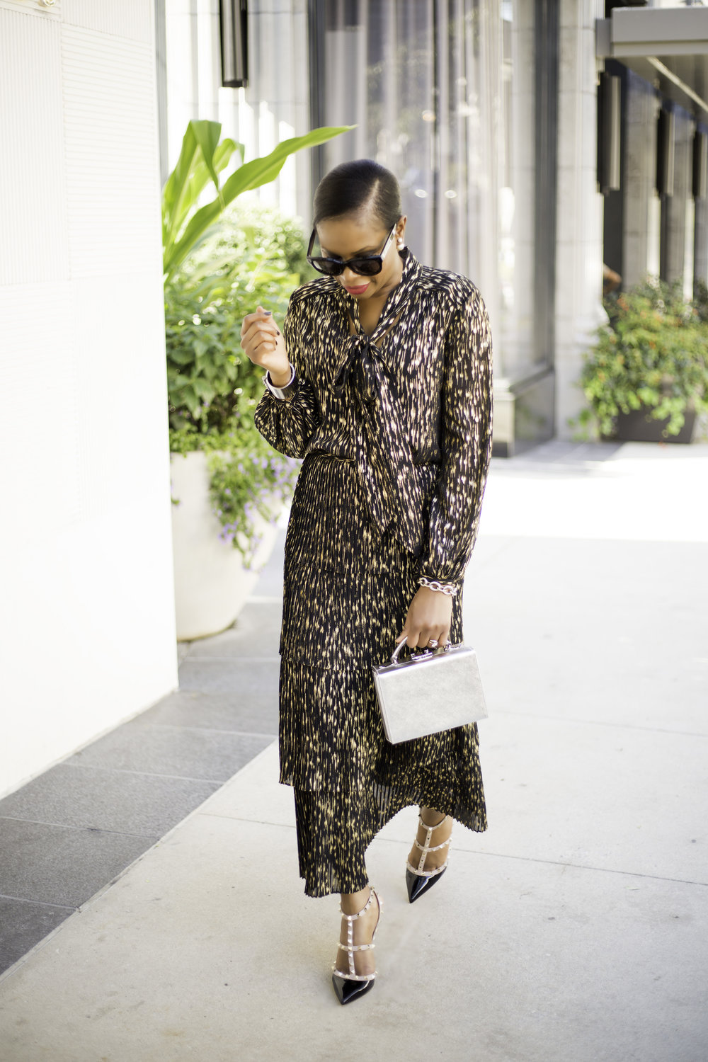AWED BY MONICA STYLE BLOGGER .jpg