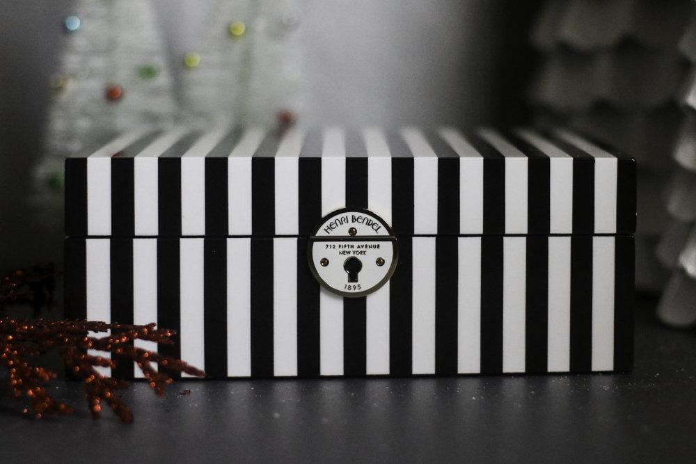 HENRI BENDEL JEWELRY BOX 1.jpg