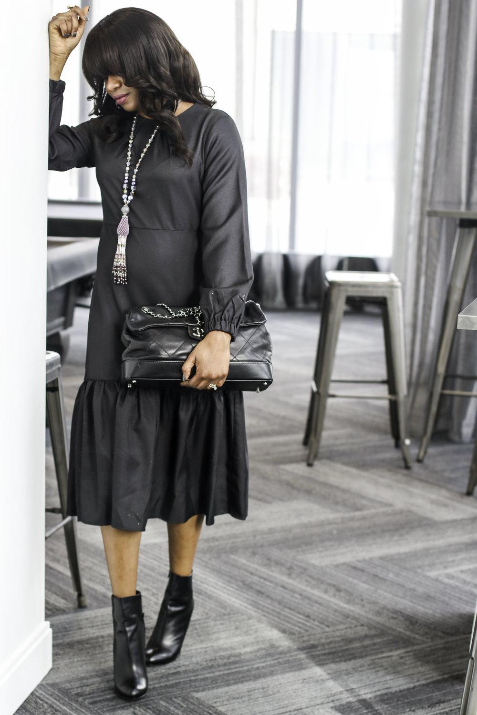TORONTO FASHION BLOGGER IN BLACK DRESS.jpg