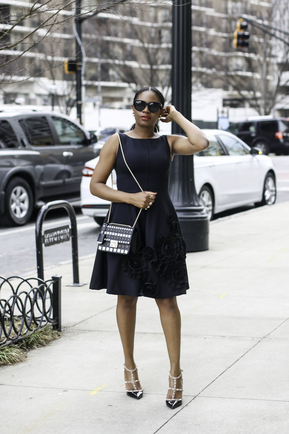 FASHION BLOGGER IN THE PERFECT BLACK DRESS.jpg