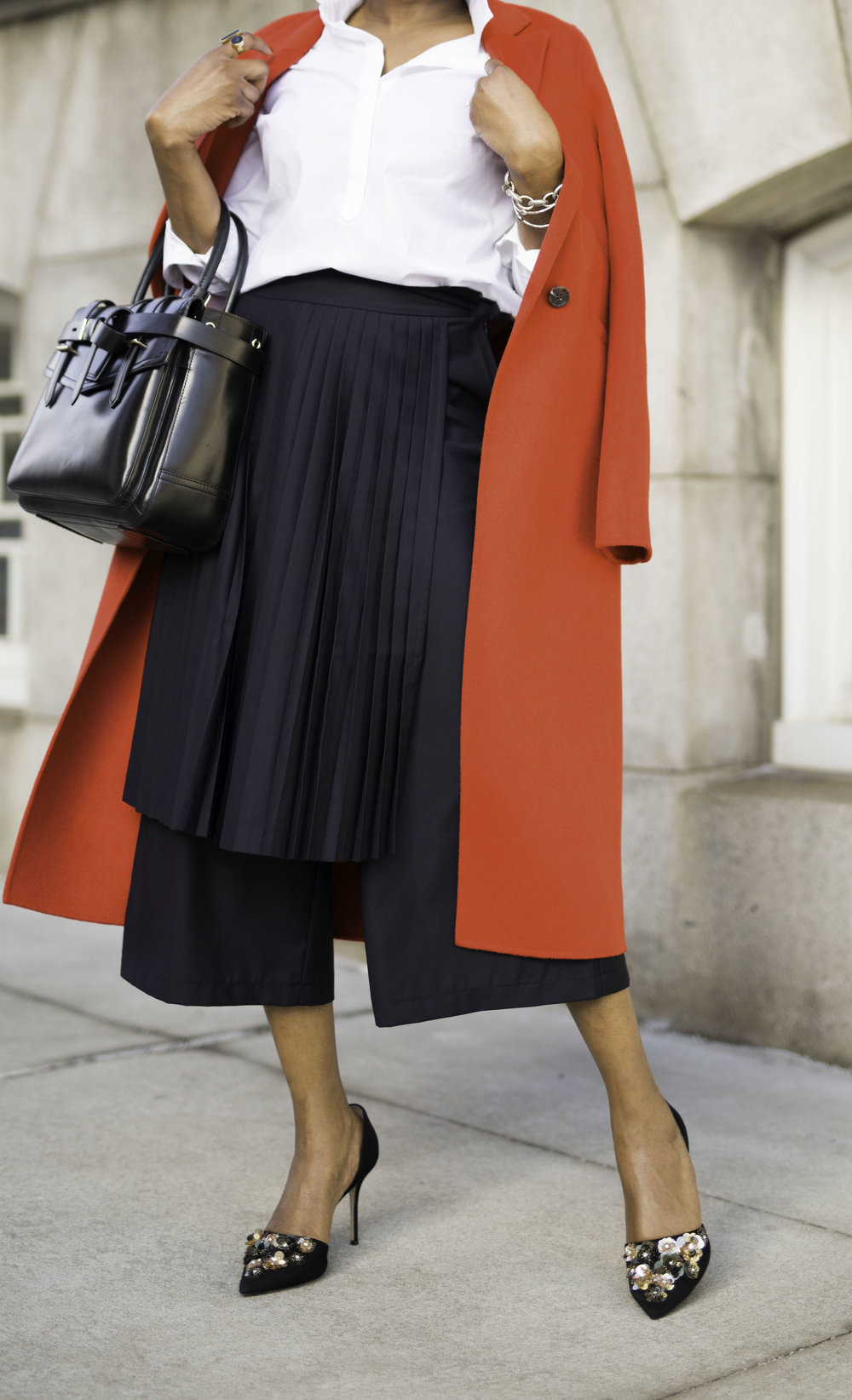 BLACK CULOTTES WITH PLEATS.jpg