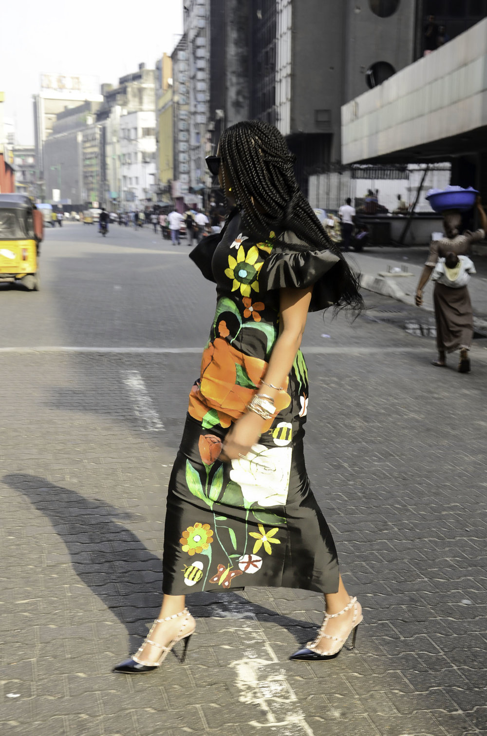 AWED BY MONI IN ARTISTIC STATEMENT DRESS BY LANRE DASLIVA AJAYI.jpg