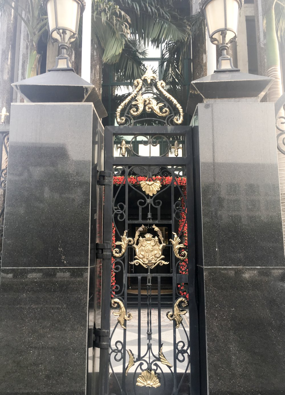 The regal entrance of Polo Avenue.