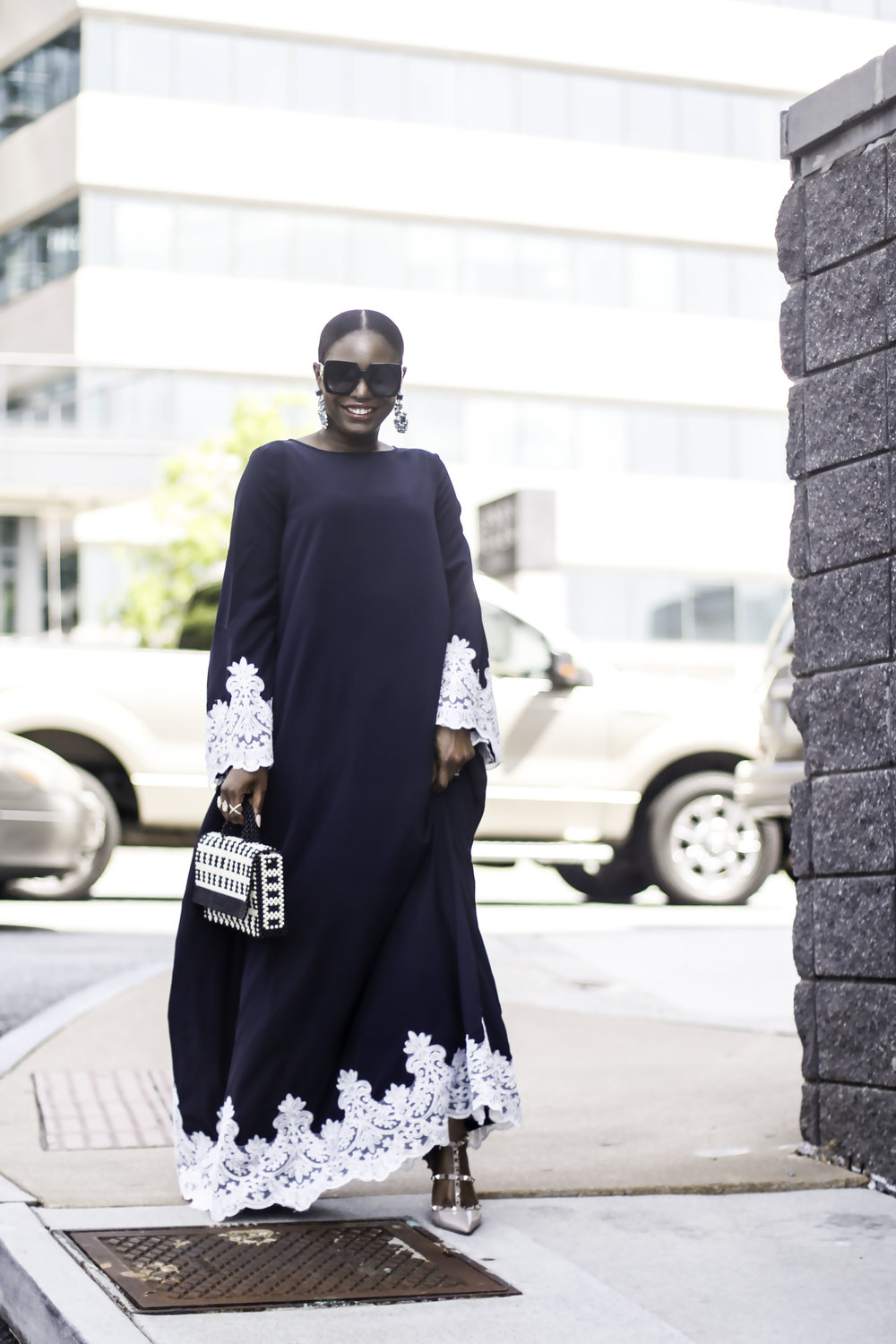 INFLUENCER WEARING CAFTAN.jpg